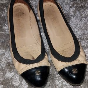 CHANEL FLATS WITH GOLD CC ON BLACK CAP TOE